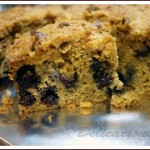 Almost healthy blueberry crumb cake | www.delicacious.com