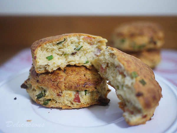 bacon parmesan scallion scones | Delicacious