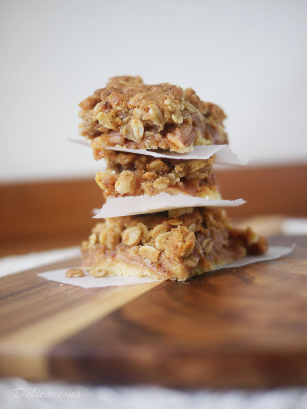 Apple Crumble Bars | Delicacious