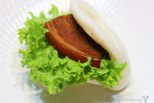 Kong Ba Pau (Braised pork belly bun)