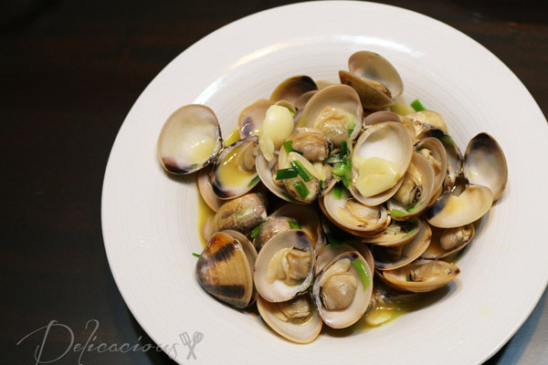 Steamed Clams with Sake and Soy
