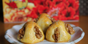 Walnut mooncakes